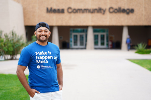 Student at the MCC Southern & Dobson Campus